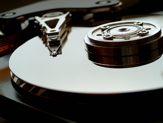 Storage software and hardware solutions for HDD failure
